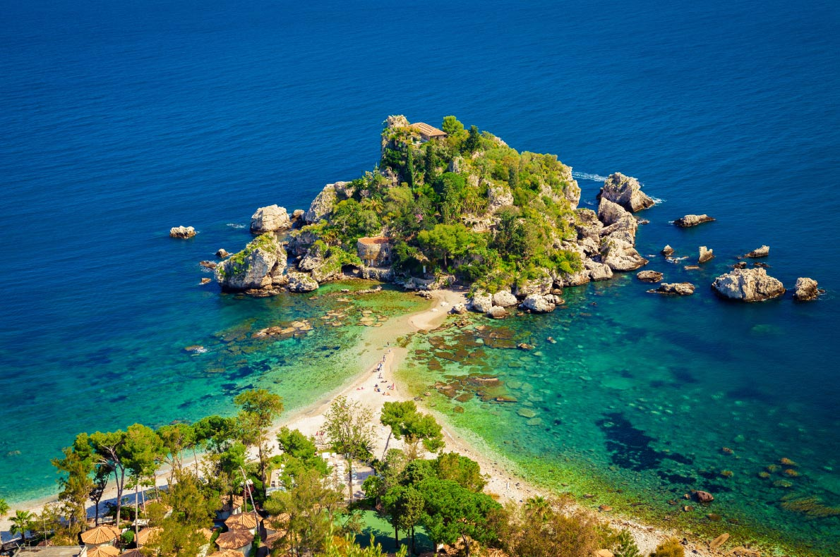 Best beaches in Italy - Isola Bella in Taormina Sicily - Copyright  Anna Lurye - European Best Destinations