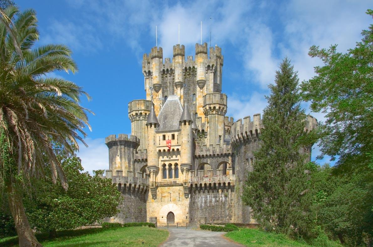Best castles in Spain - Castle of Butron Copyright  Francisco Javier Gil  - European Best Destinations