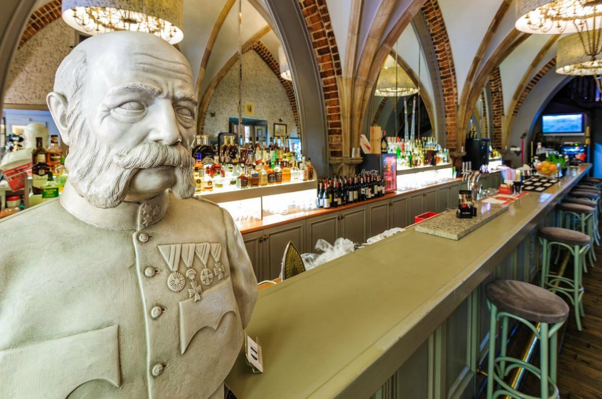 Best bars and restaurants in Wroclaw - Cesarsko-Królewska Wroclaw