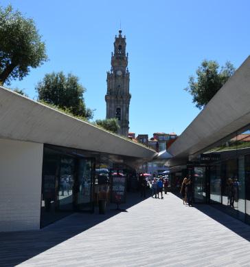 passeio-dos-clerigos-shopping-porto