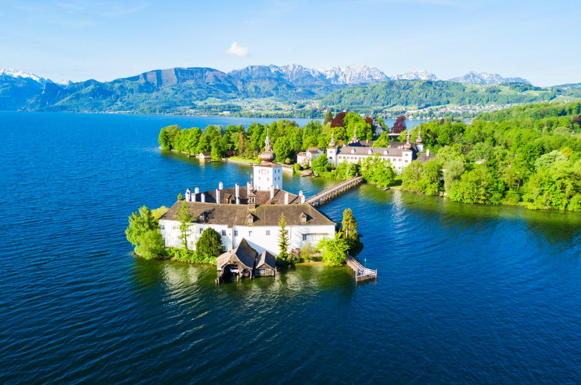 Best hidden gems in Austria - Schloss Ort Castle in Gmunden - Copyright saiko3p - European Best Destinations