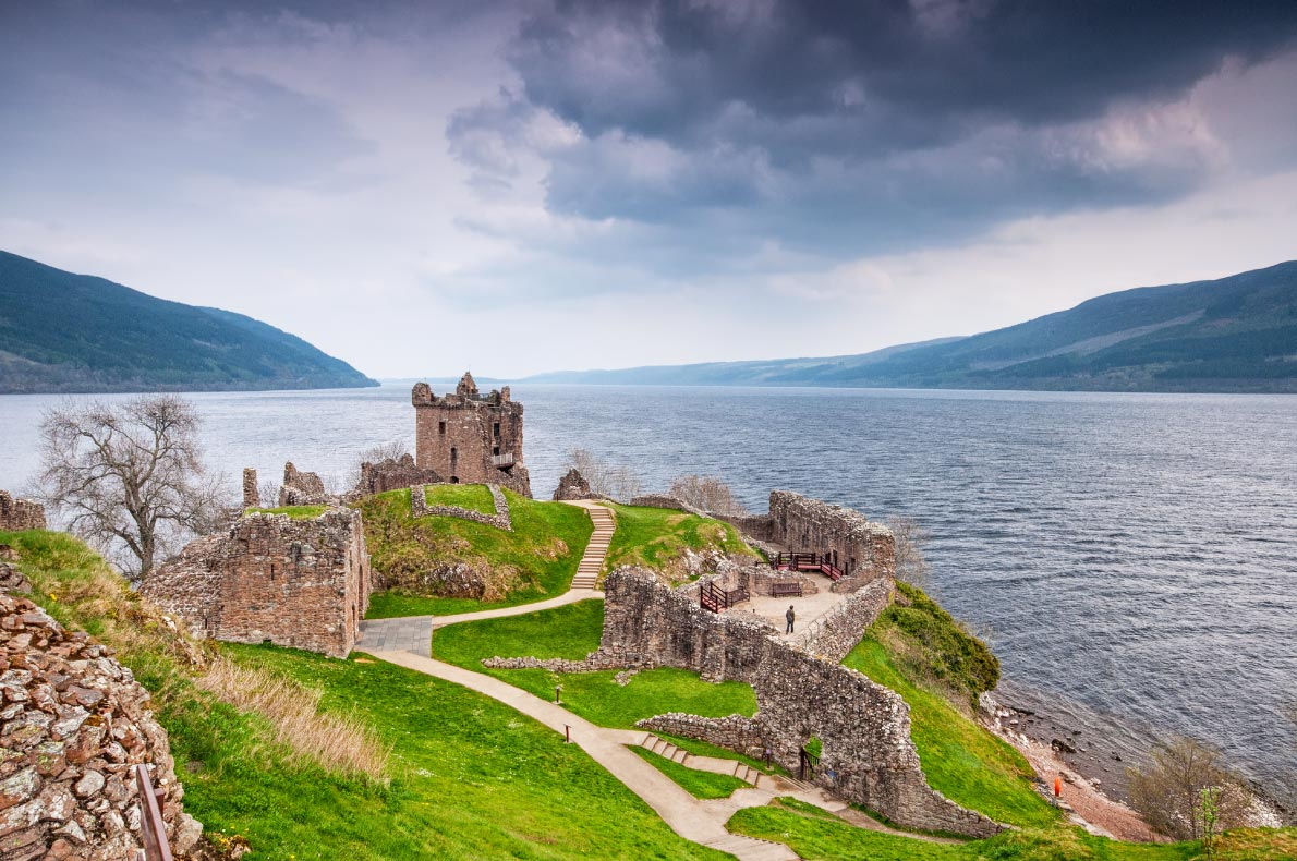 Best castles in Sccotland - Urquhart Castle Castle Copyright  Botond Horvath - European Best Destinations