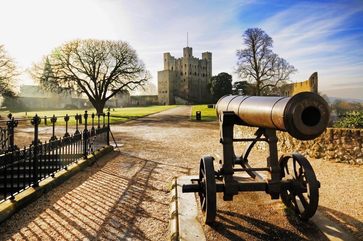 Best Castles in England - Rochester Castle Copyright  ImagineMedia - European Best Destinations