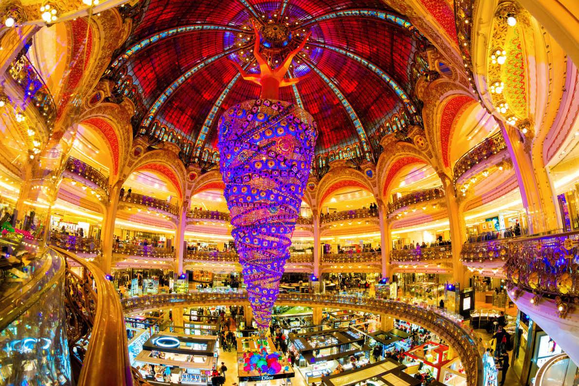 Paris - Best Christmas Tree in Europe - Copyright Paris info - European Best Destinations