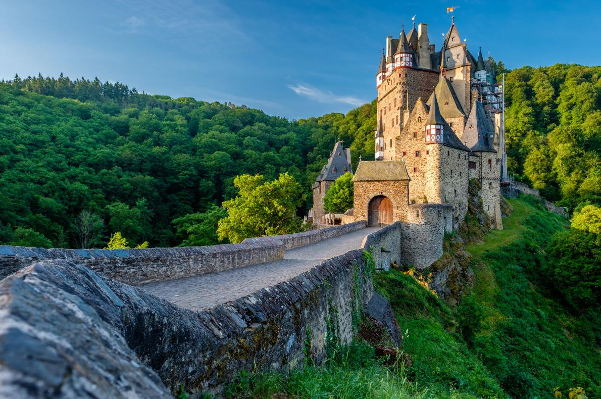 Best things to do in Germany - Day trip to Eltz Castle  - Copyright haveseen- European Best Destinations