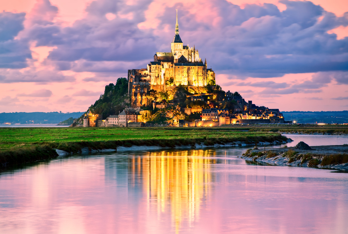 Mont Saint Michel - Best dolphins and whales destinations in Europe - Copyright Boris Stroujko - European Best Destinations