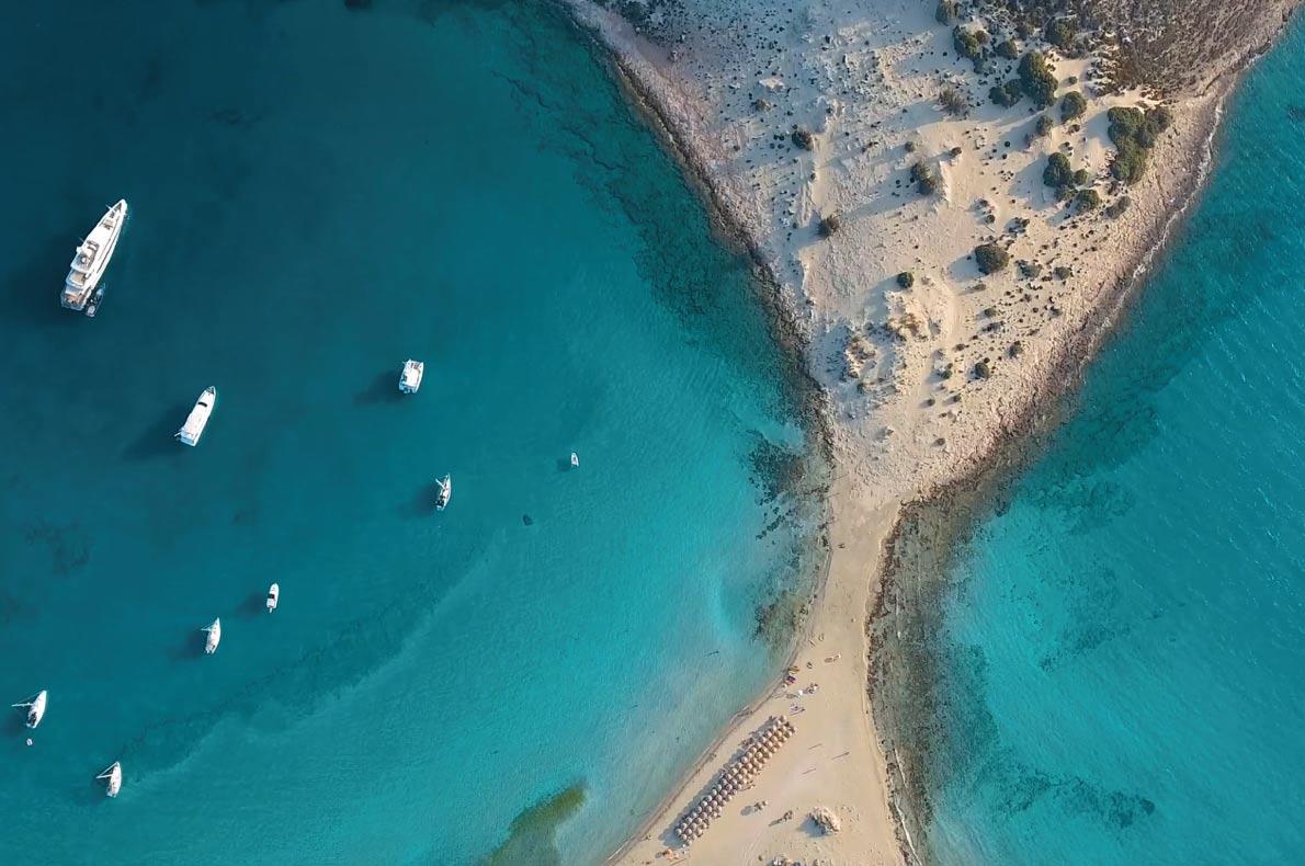 Στην παραλία του Σίμου στην Ελαφόνησο