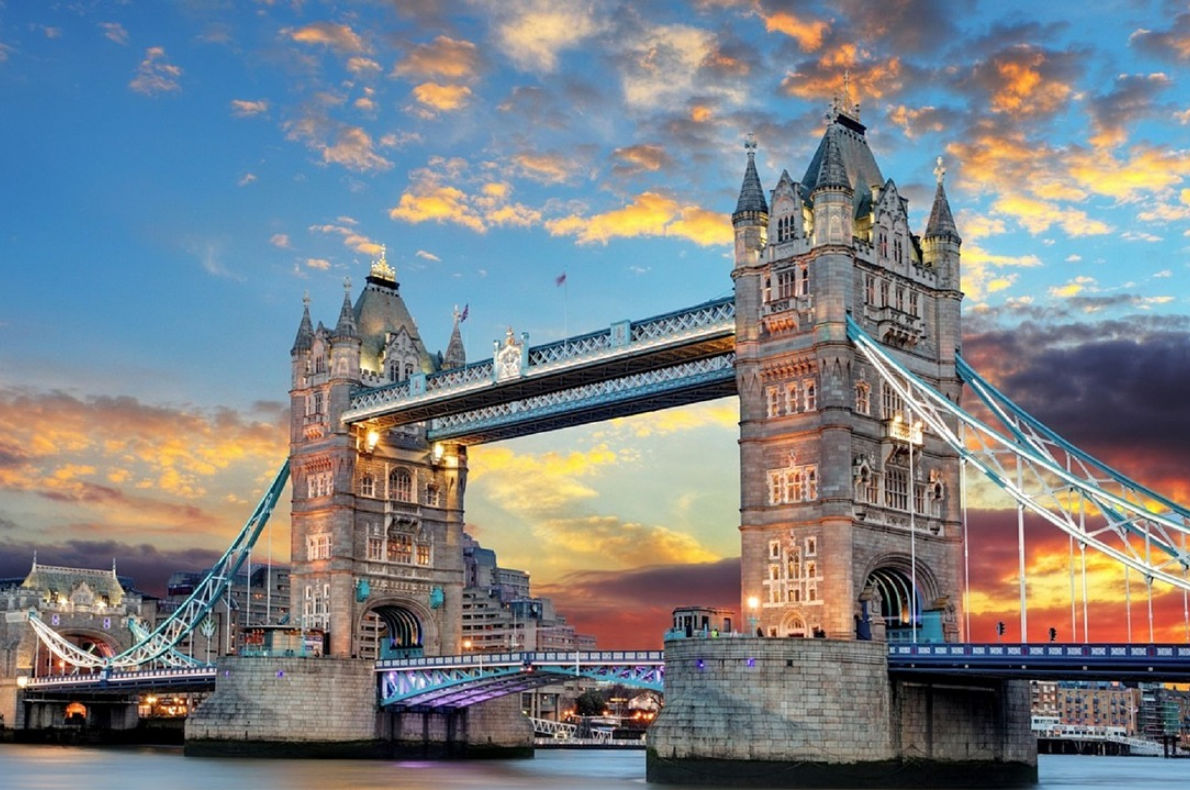 Best things to do in England -  Tower Brige Copyrighr Pixabay - European Best Destinations
