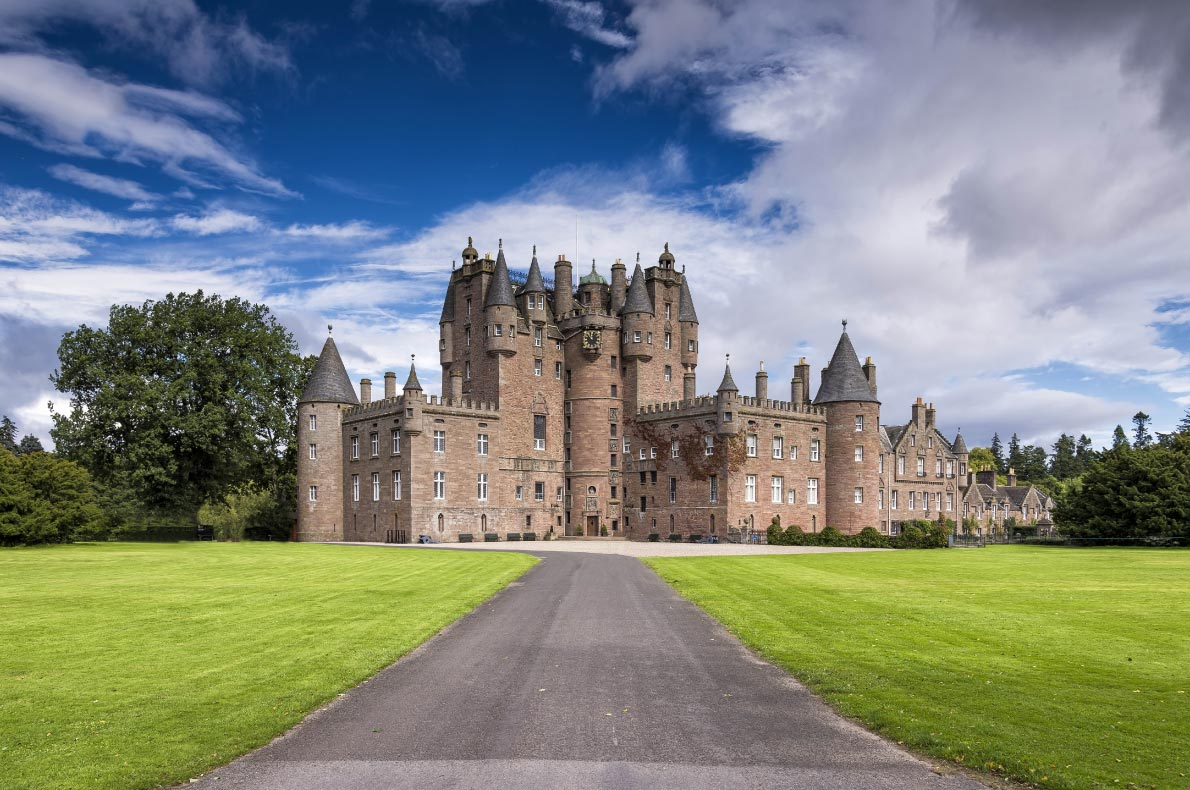 Best castles in Scotland - Glamis Castle Copyright  Francesco Dazzi - European Best Destinations