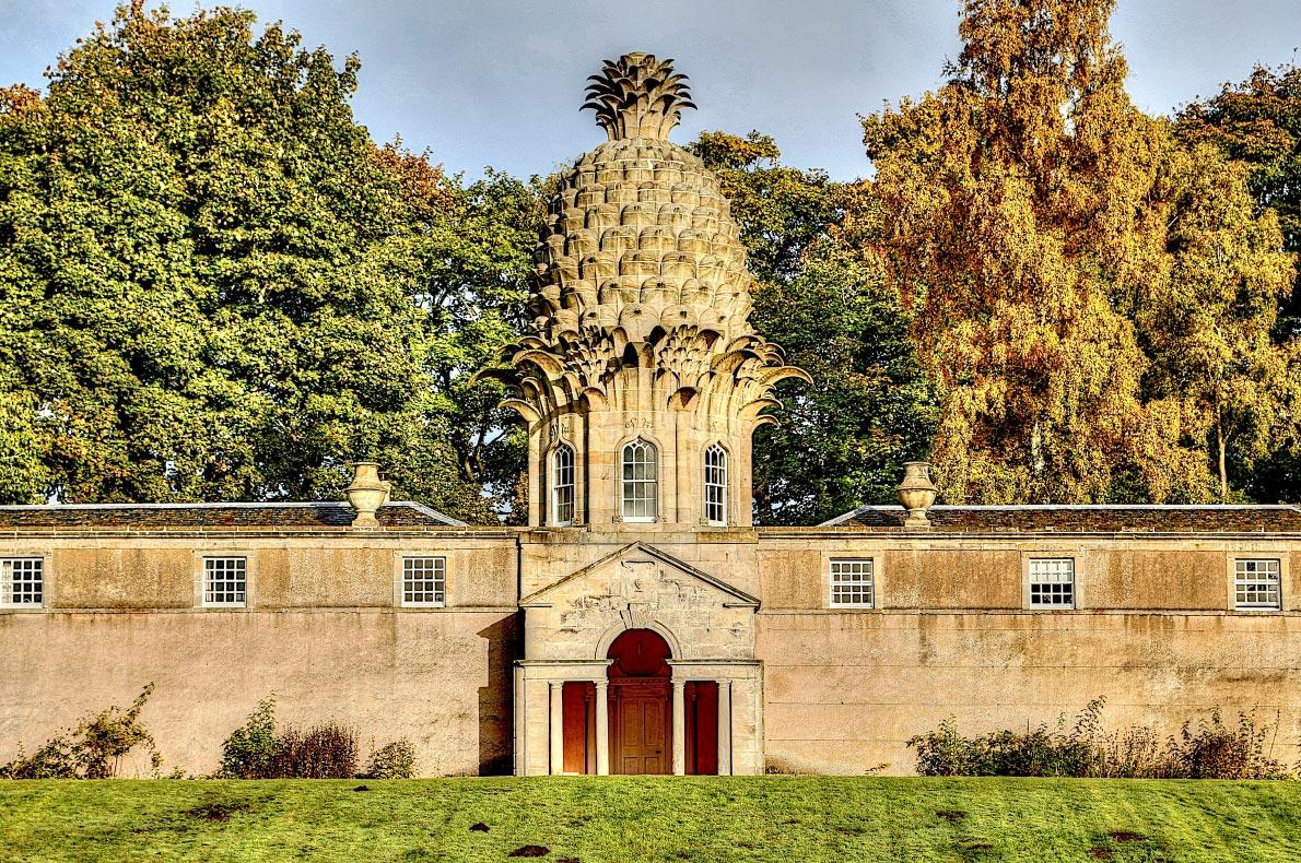 Best hidden gems in Scotland - Dunnmore Pineapple building copyright  Alarax  - European Best Destinations