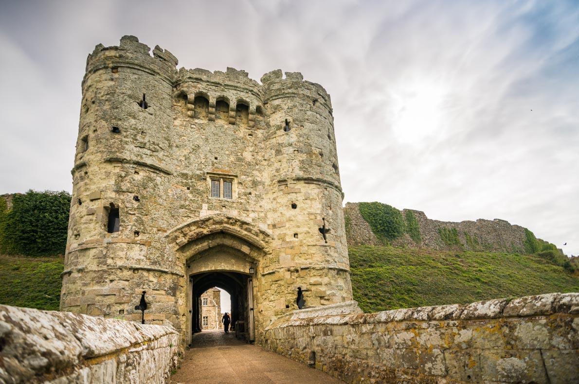 Best Castles in England - Carisbrock Castle Copyright  ian johnston - European Best Destinations