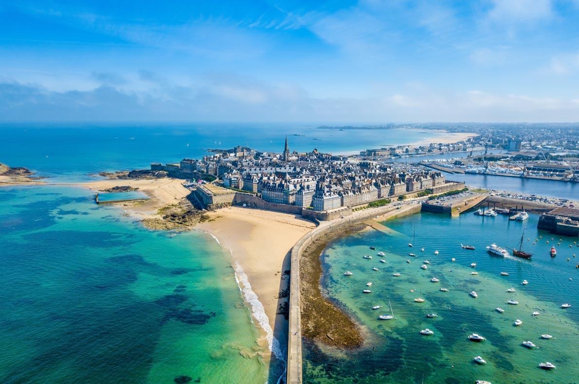 Best beaches in France - Saint Malo beaches copyright  Antoine2K   - European Best Destinations