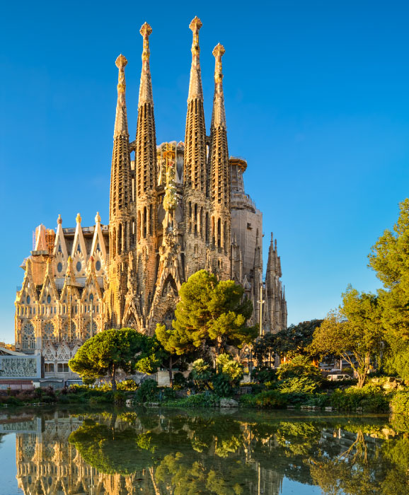 Tourism-in-Barcelona-Spain