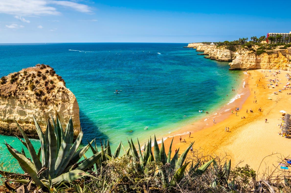 Best beaches in Portugal - Cova Redonda Copyright  mec17 - European Best Destinations