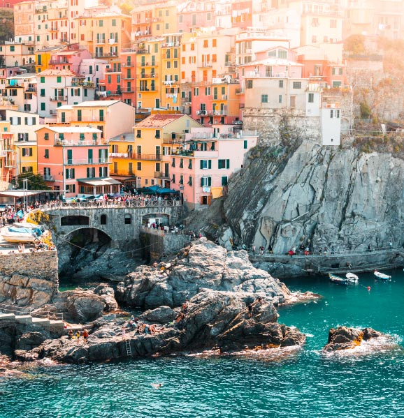 cinque-terre-best-romantic-destinations-italy