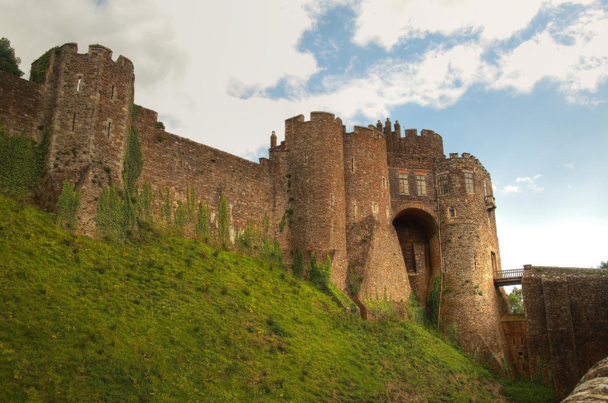 Best Castles in England - Dover Castle Copyright  Andrzej Sowa  - European Best Destinations