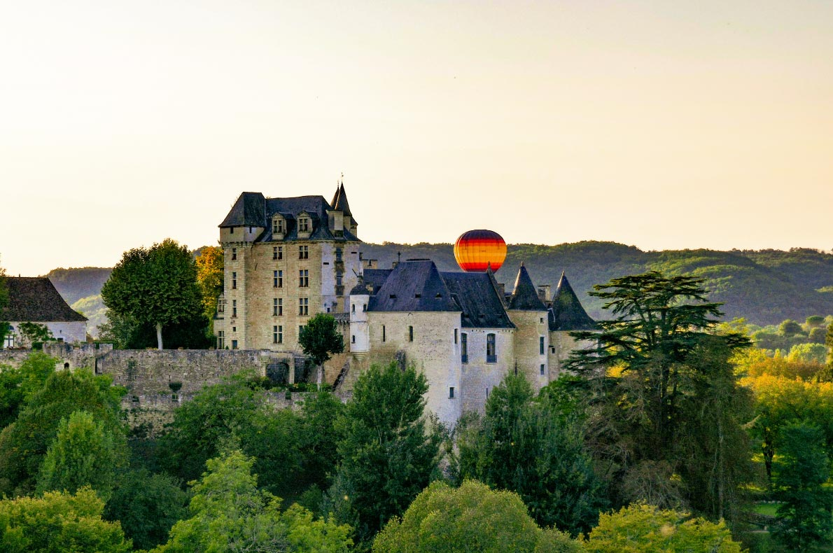 Best-things-to-do-in-Europe---Dordogne-Valley-Hot-Air-Balloon---Copyright--Meandering-Trail-Media