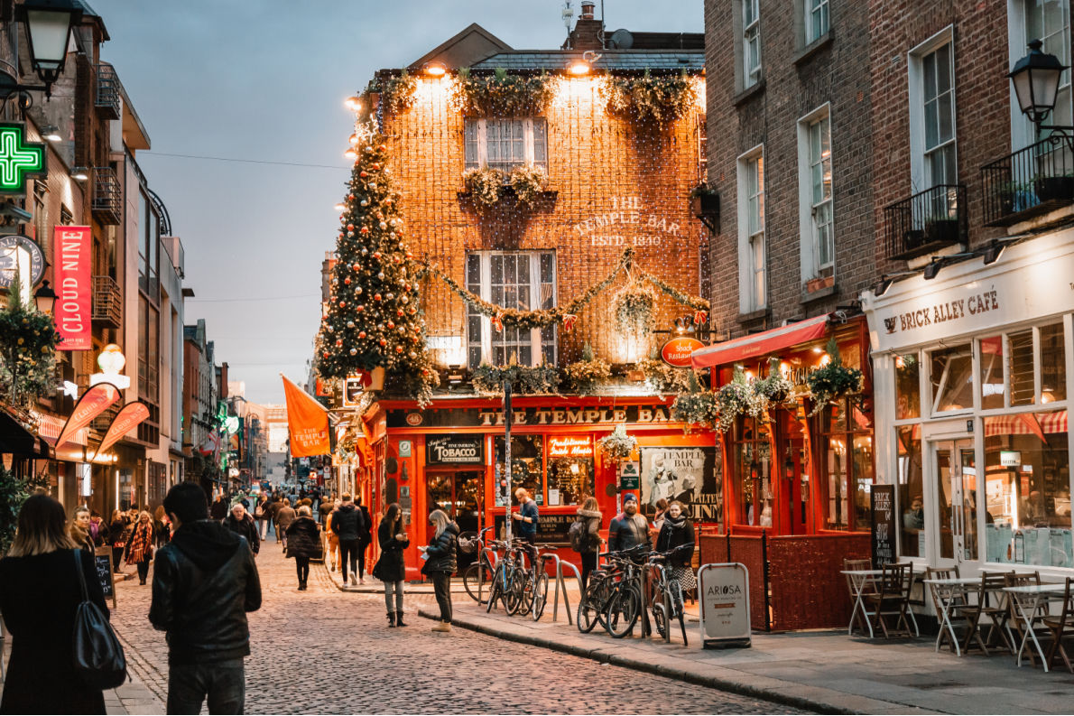 Best things to do in Ireland - Temple Bar copyright Goncharovaia - European Best Destinations