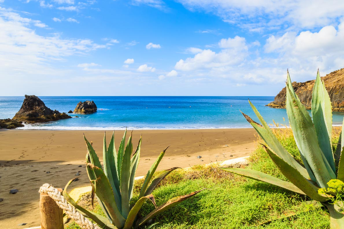 Best beaches in Madeira - Prainha beach - Copyright Pawel-Kazmierczak