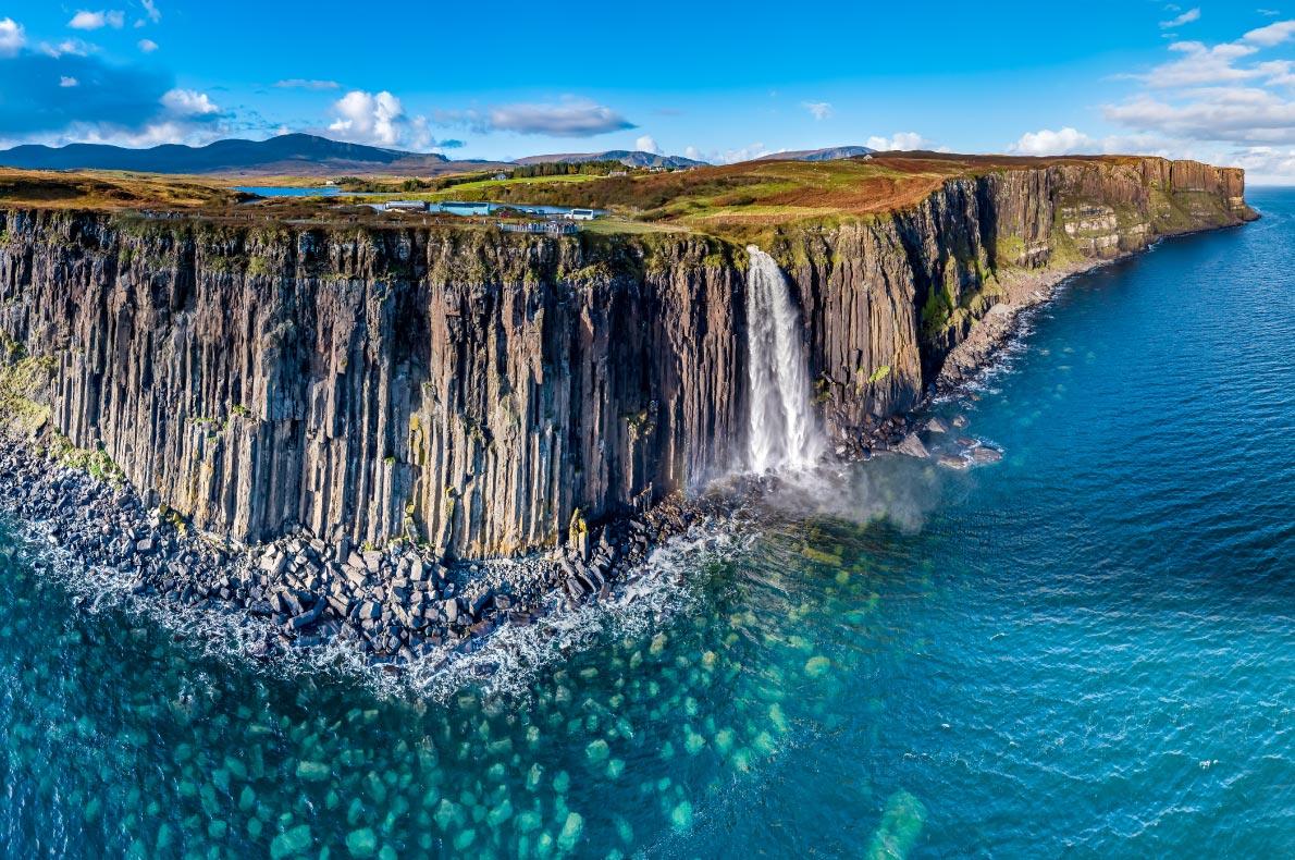 Best things to do in Scotland - Kilt Rock Waterfalls copyright  Lukassek  - European Best Destinations