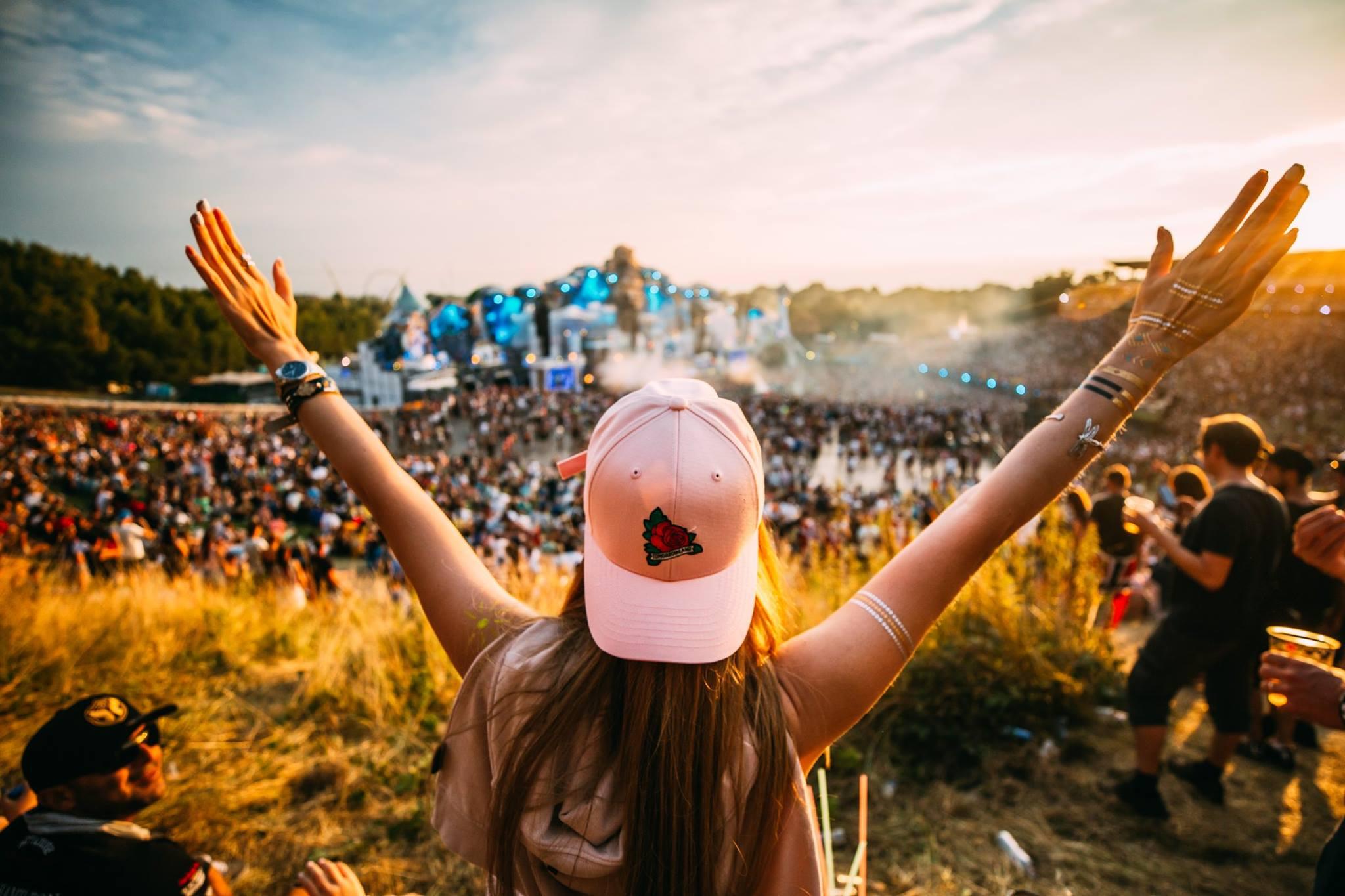 tomorrowland-best-summer-music-festivals-europe