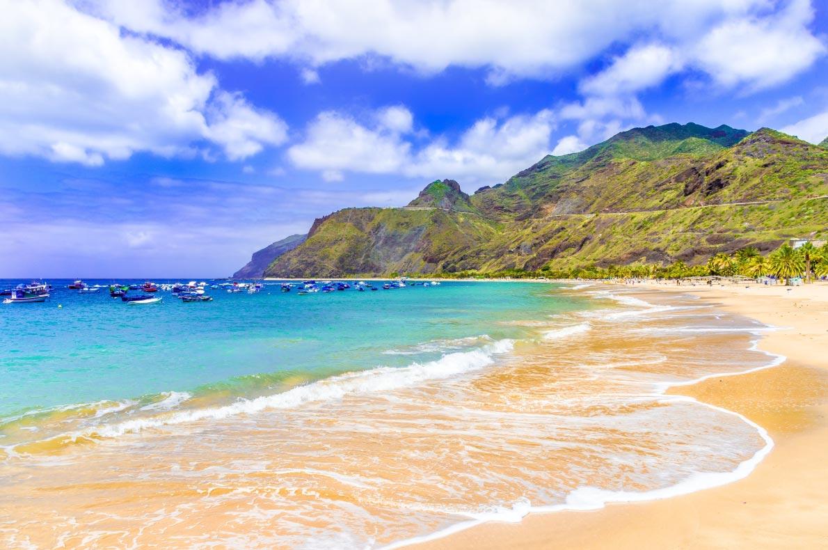 Best beaches in Madeira - Machico bay Beach - copyright Balate-Dorin