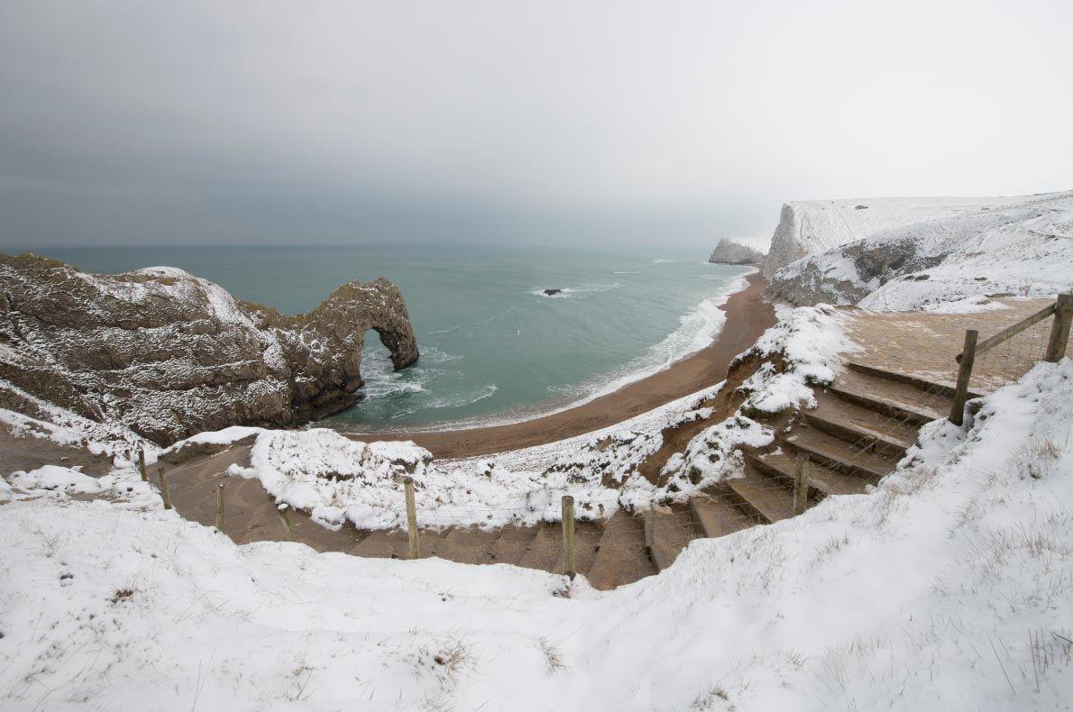 Best naatural wonders in England - Durdle door dorset copyright Chris Button - European Best Destinations