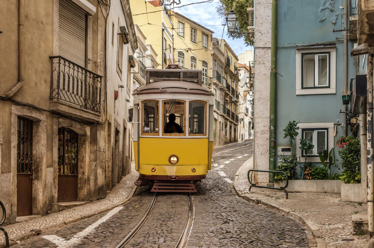 Best things to do in Portugal - Alfama district - Copyright  Karan Khurana  - European Best Destinations