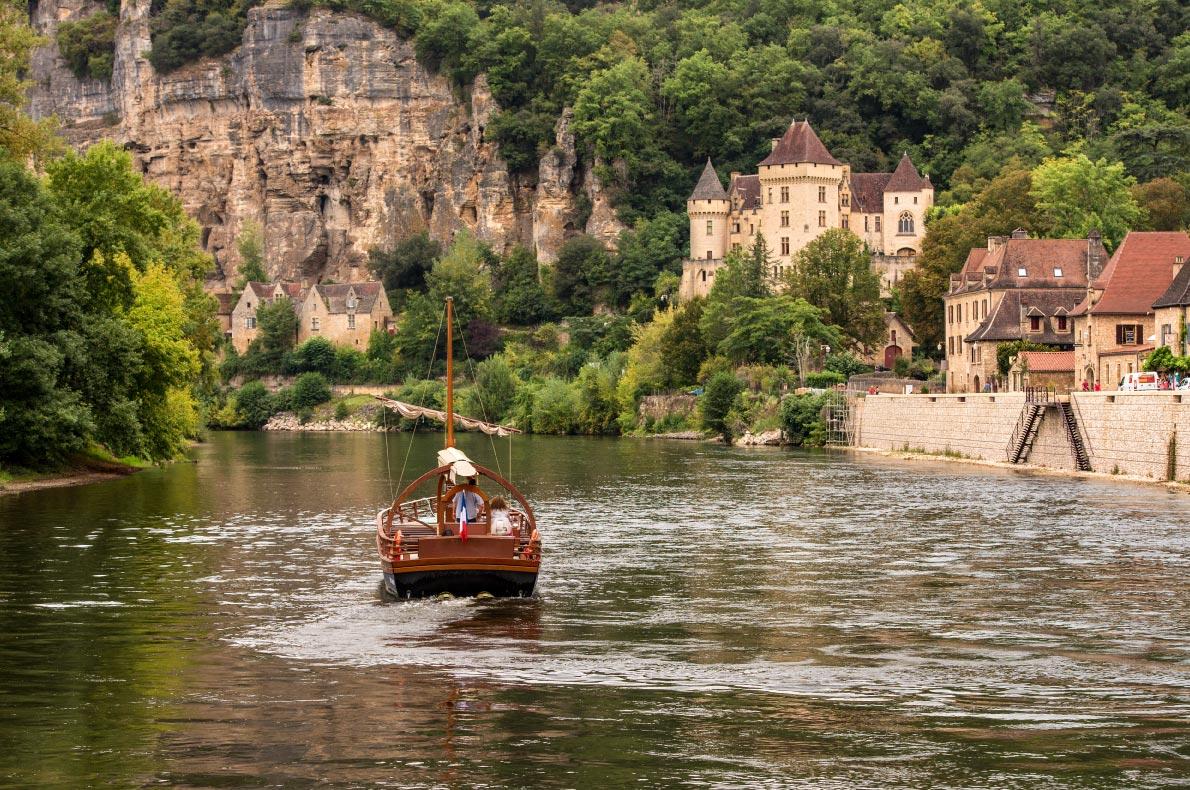 Best hidden gems in France - La Roque Gageac Copyright  Belt944 - European Best Destinations