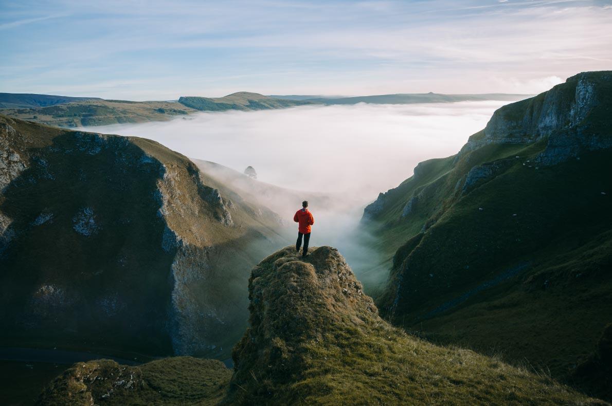 Best natural wonders in England - Winnats Pass copyright  atsamtaylorphotos - European Best Destinations