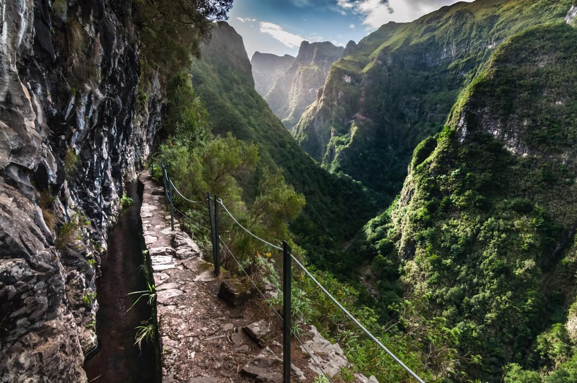 Active holidays in Madeira - Levada walks - copyright MikeDrago cz