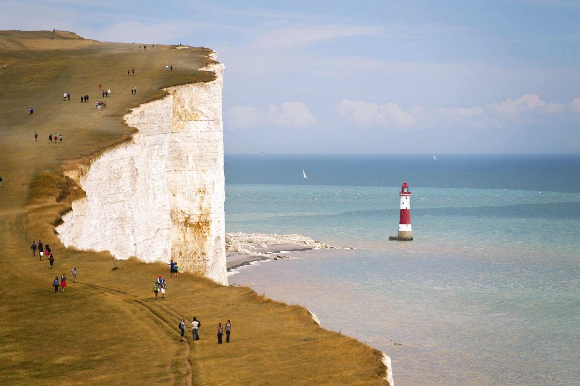 Best places to visit in England - Seven Sisters National Park - Copyright Niepo  - European Best Destinations