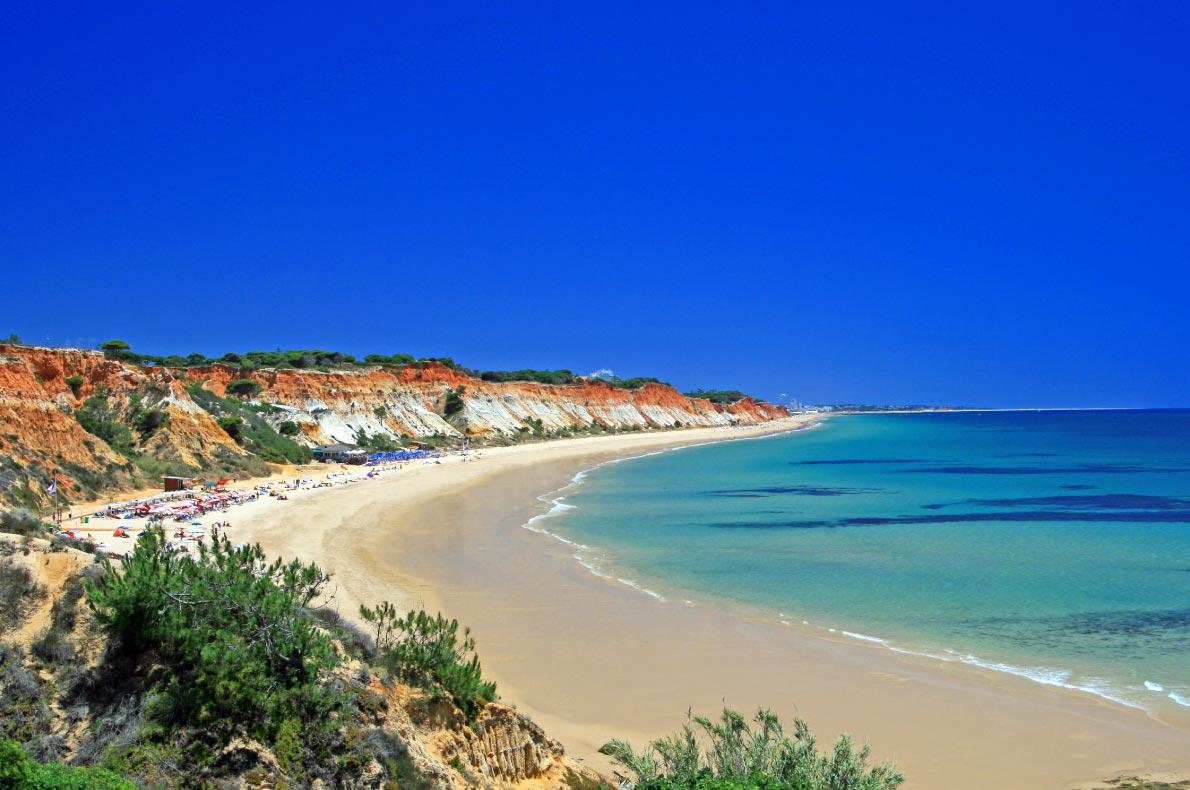 Best beaches in Portugal - Falesia Beach copyright  hbw_pictures - European Best Destinations