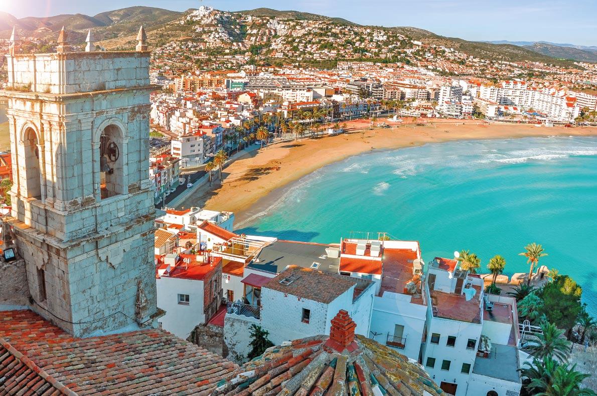 Best hidden gems in Spain - Peniscola copyright Karnavalfoto European Best Destinations