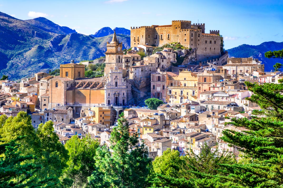 Best castles in Italy - Caccamo Copyright  cge2010 - European Best Destinations