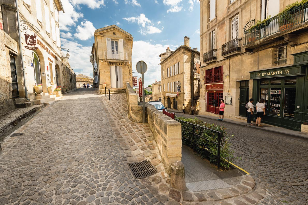 Saint Emilion - Best medieval destinations in Europe - Copyright saaton - European Best Destinations