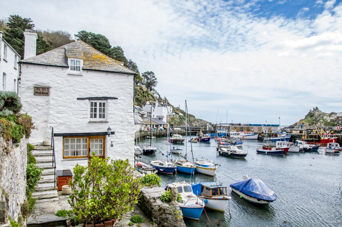 Most Romantic destinations for Valentine day in Europe - Polperro - Copyright Tanasut-Chindasuthi - European Best Destinations