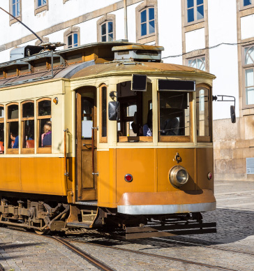 historical-tram-tour-things-to-do-porto