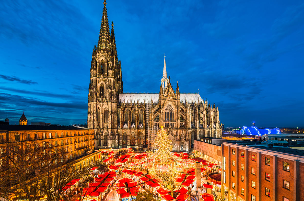 Cologne- Best Christmas Tree in Europe - Copyright Mapics - European Best Destinations