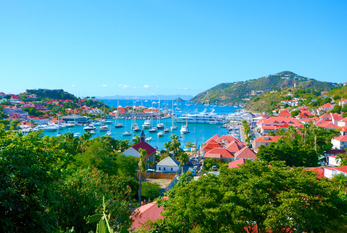 St Barth - Zac Efron  -  Best celebrities destinations in Europe - Copyright Natalia Barsukova - European Best Destinations