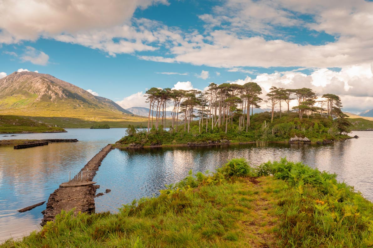 Best places to visit in Ireland - Connemara Lake - Copyright Liane-M - European Best Destinations