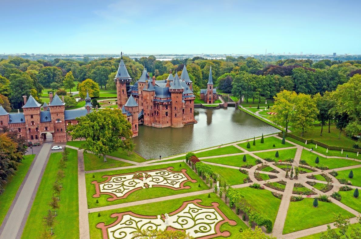 Best castles in The Netherlands = De Haar Castle - Copyright Steve Photography - European Best Destinations
