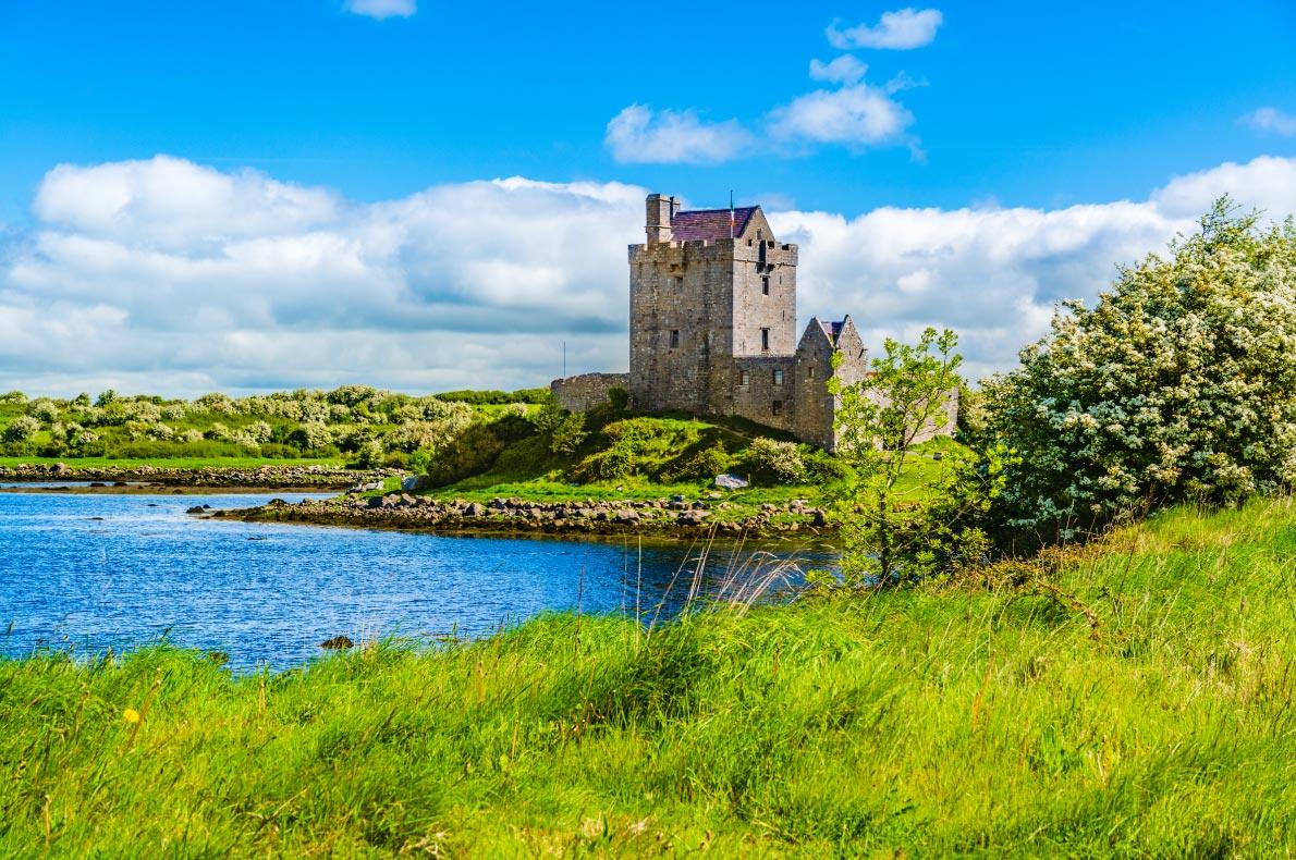 Best castles in Ireland - Dunguaire Castle copyright  Nahlik - European Best Destinations