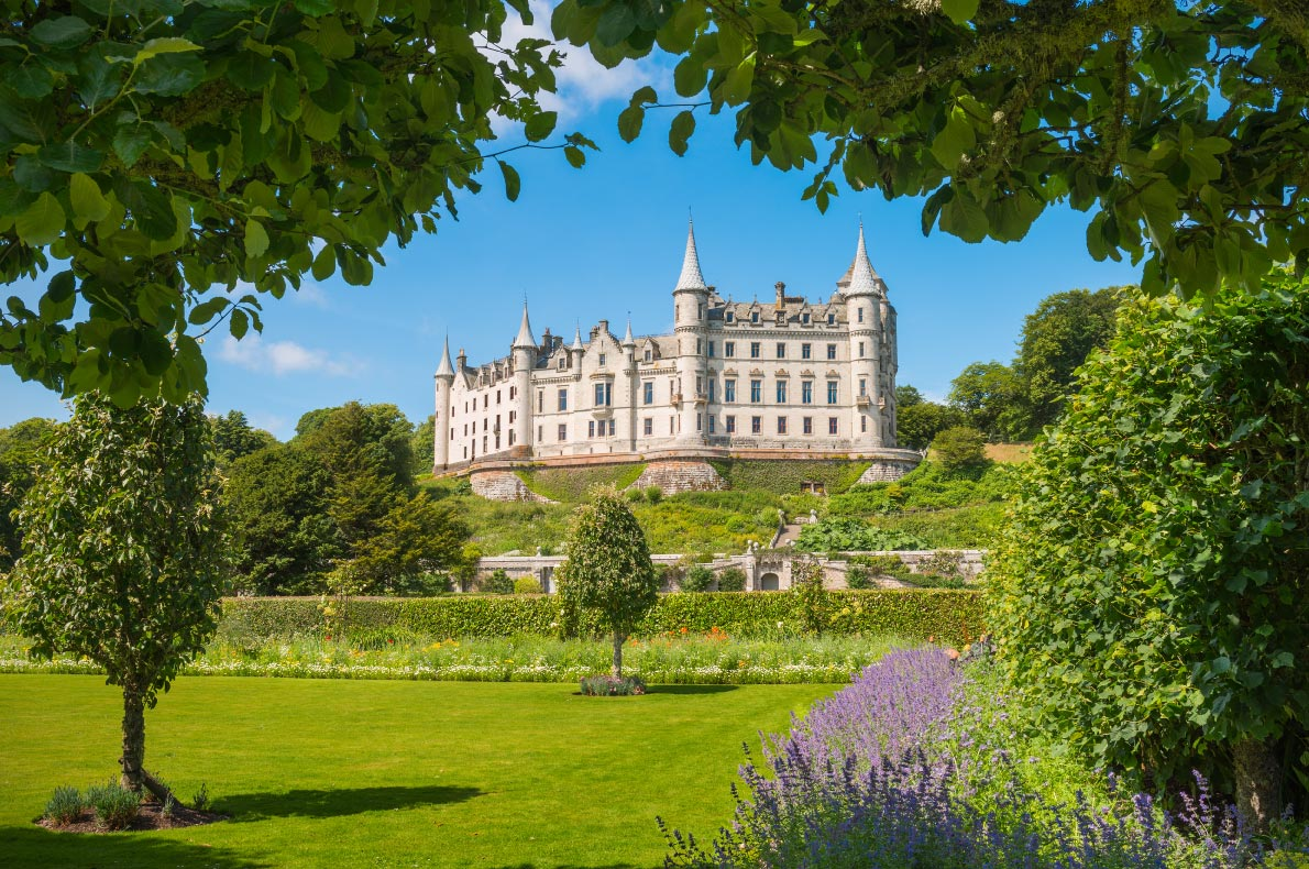 Best castles in Scotland - Dunrobin Castle Copyright  Zbynek Plinta  - European Best Destinations