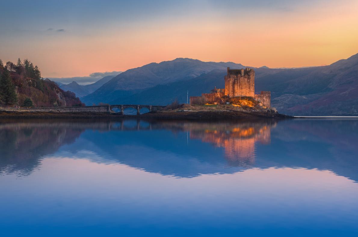 Eilean Donan Castle - Best destinations for a wedding proposal - Copyright JeniFoto - European Best Destinations