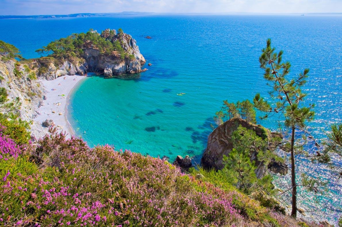 Best beaches in France - Morgat plage de l'ile vierge copyright  andre quinou  - European Best Destinations