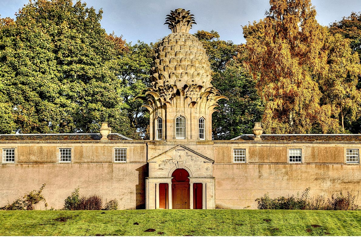 Best things to do in Scotland - Visit the Dunnmore Pineapple building copyright  Alarax - European Best Destinations