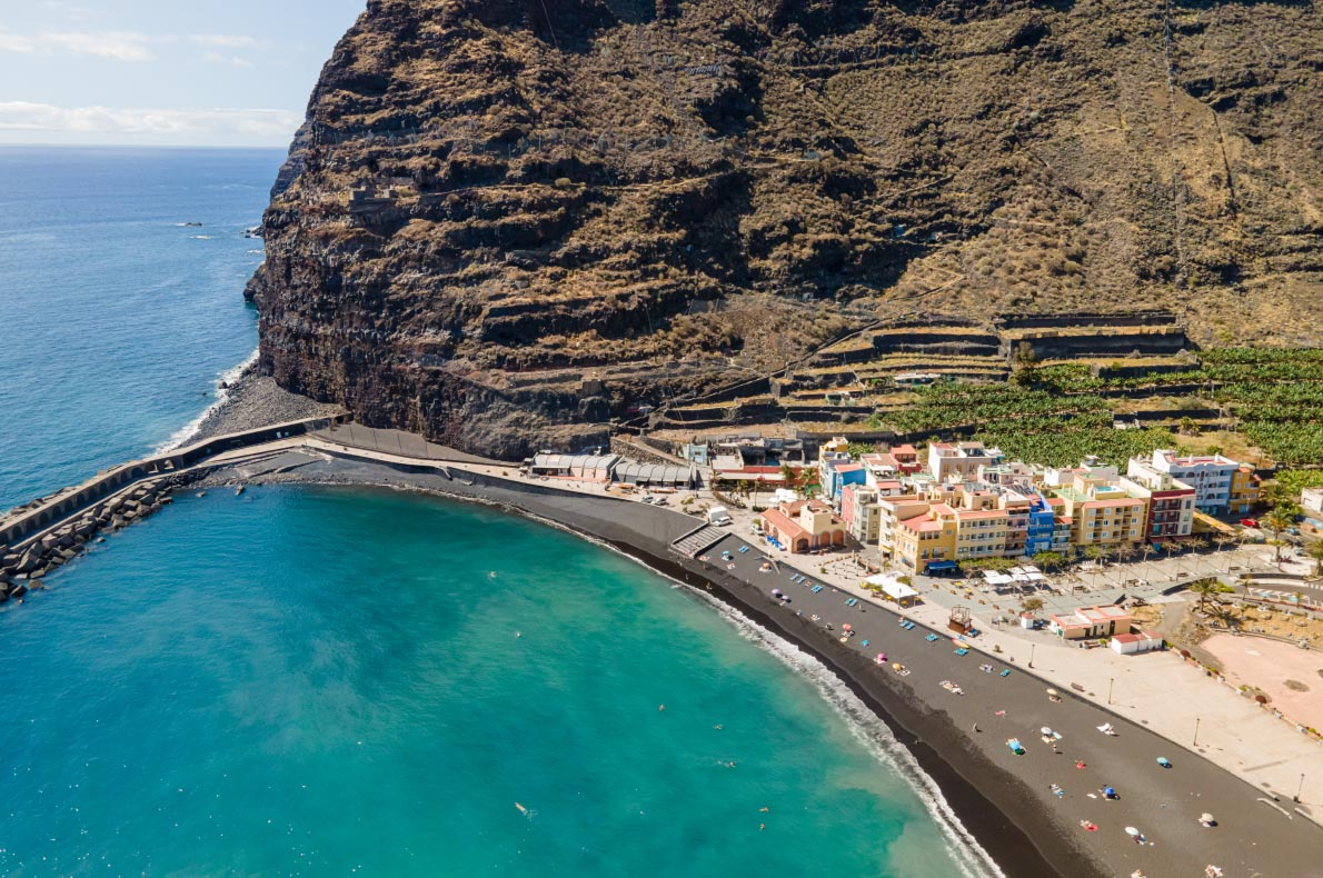 Coronavirus Safest and longuest beaches in Europe -  Puerto de la Tazacorte - La Palma Island  - European Best Destinations