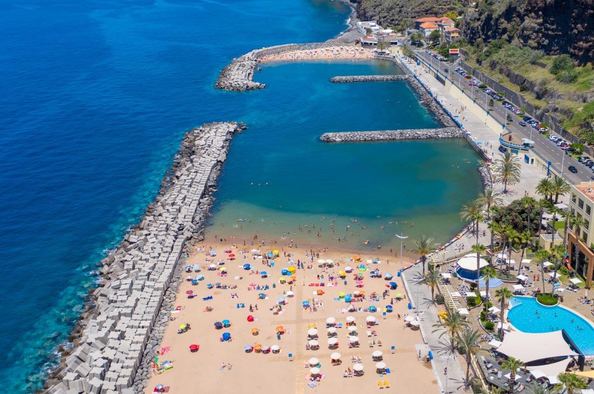Best beaches in Madeira - Calheta beach - copyright Cicero-Castro
