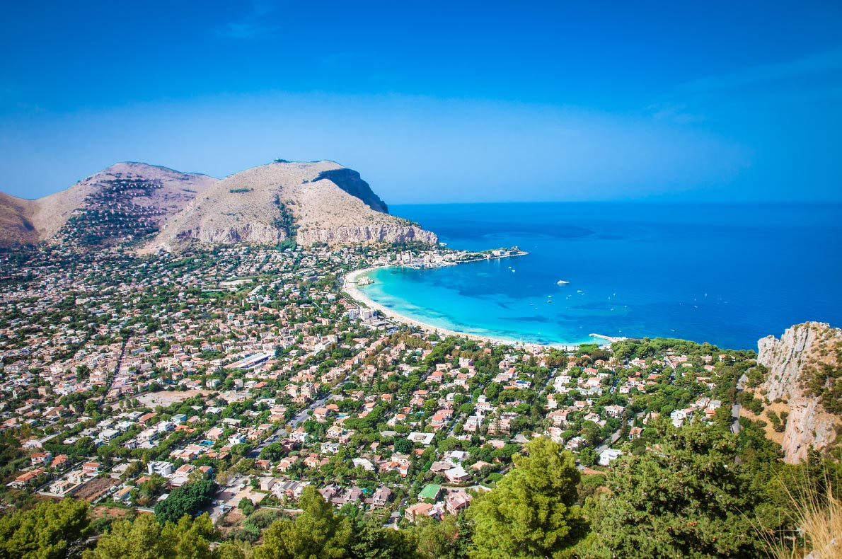 Best beaches in Italy - Mondello beach copyright  Aleksandar Todorovic - European Best Destinations